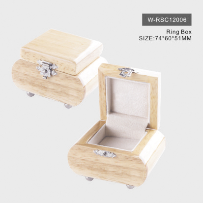Natural Glossy Wooden Ring Box